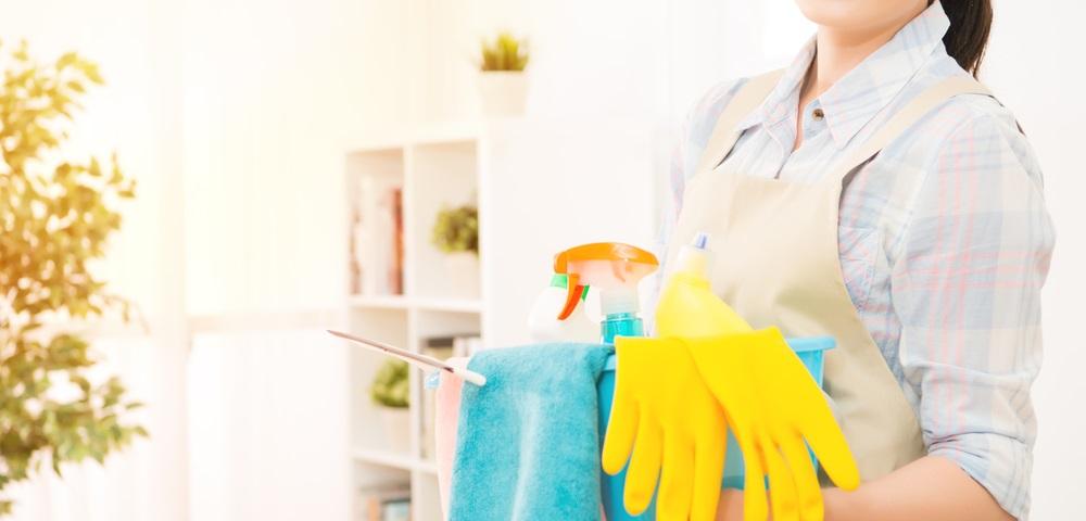 特にスキルが無い女性の方でも簡単に始められる家事代行の副業